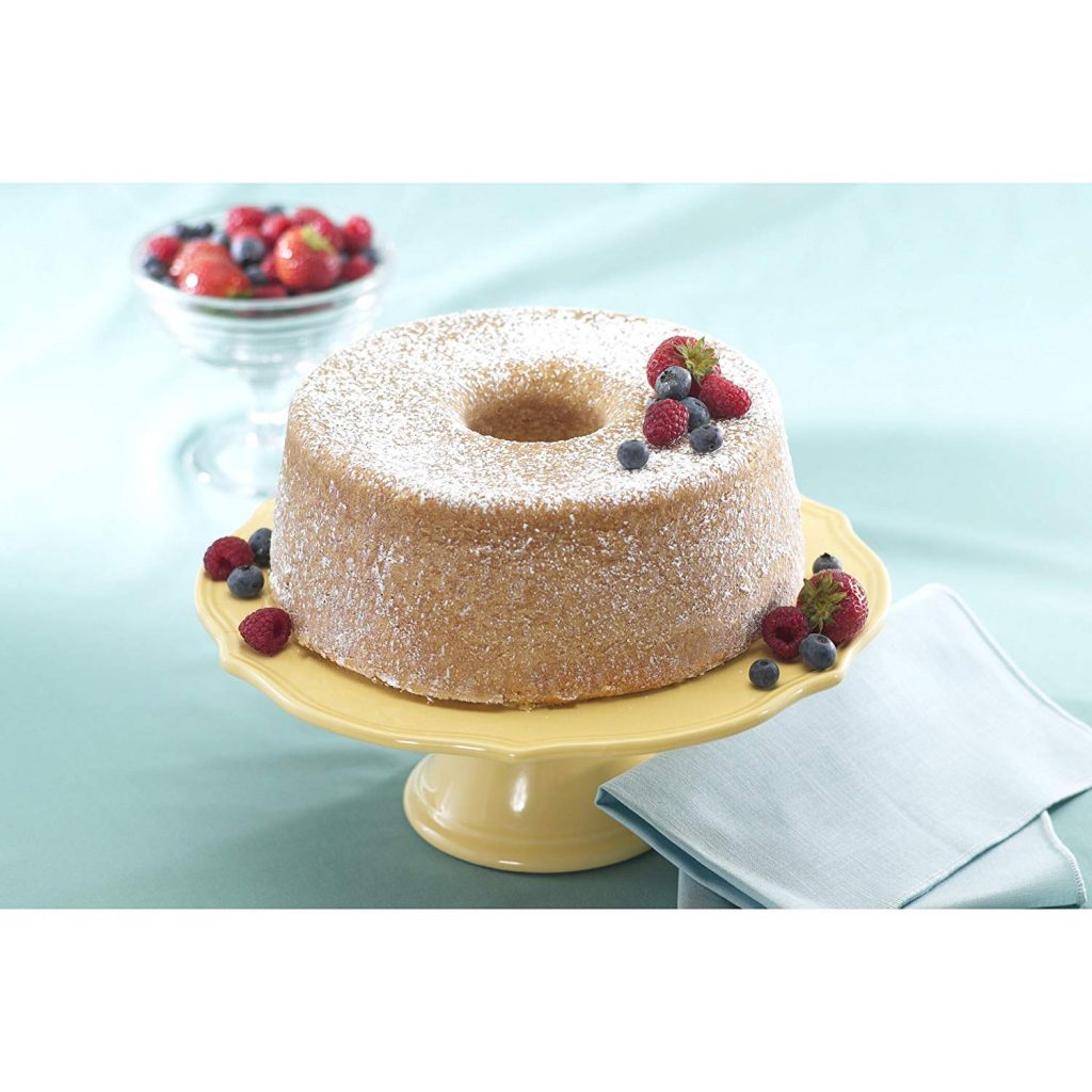 """sample of baked cake using nordic ware platinum.jpg"""
