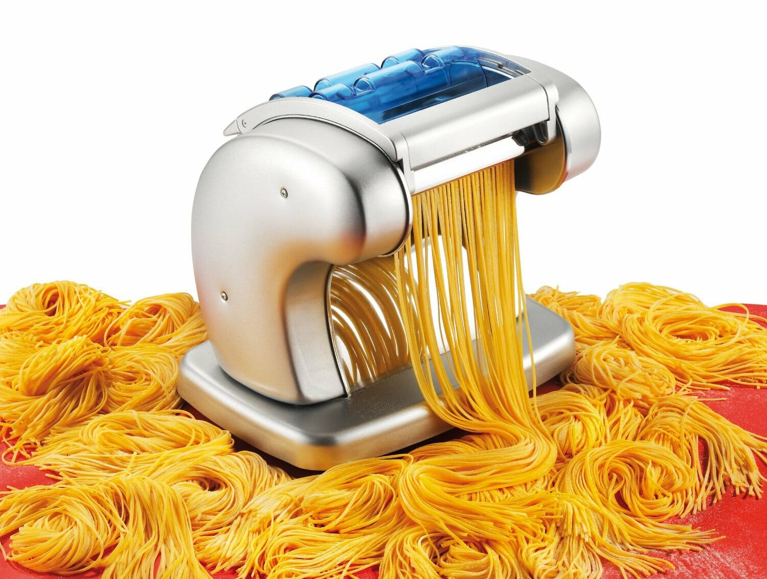 Sample of Electric pasta maker shredding noodles