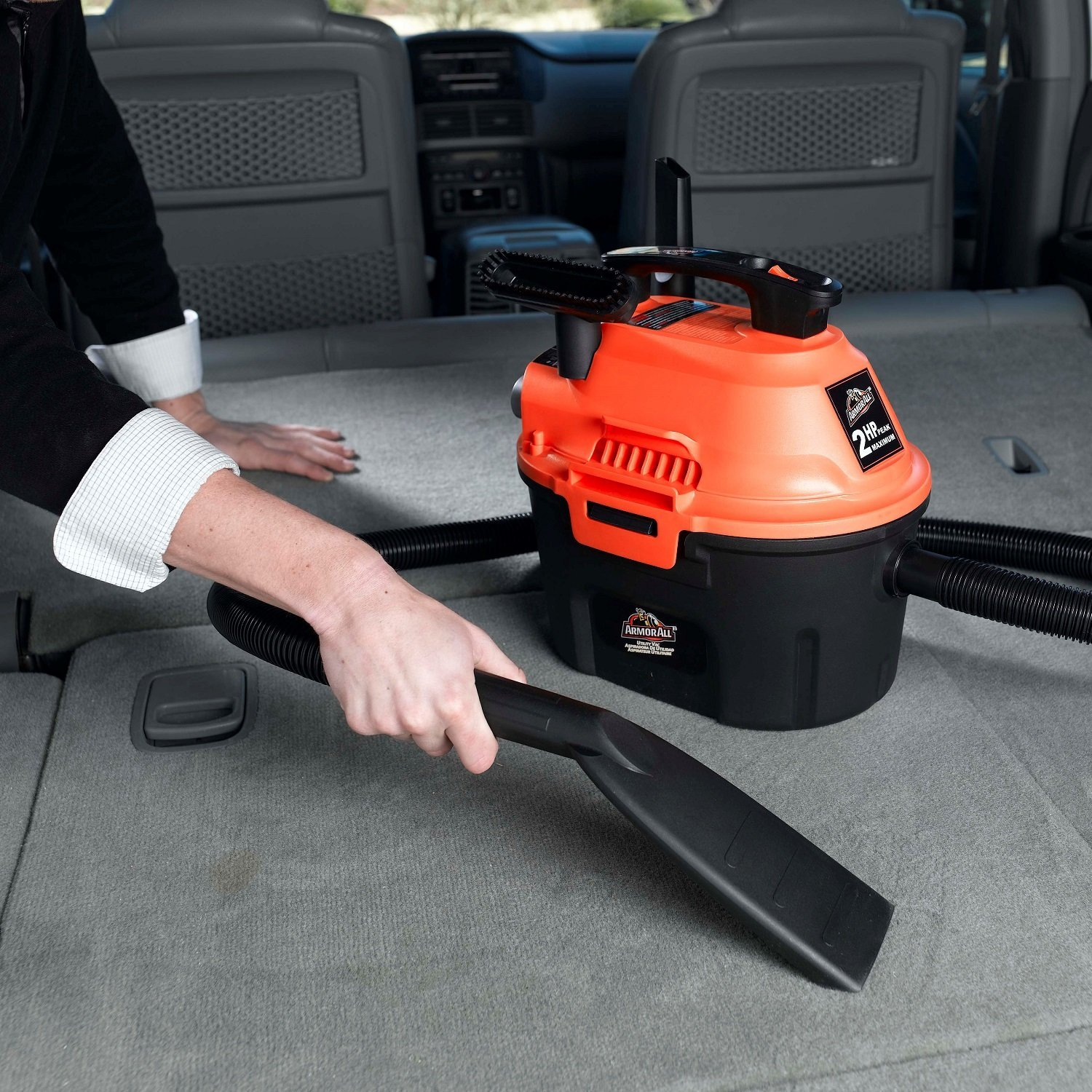 Armor vacuum cleaner used in cleaning the car
