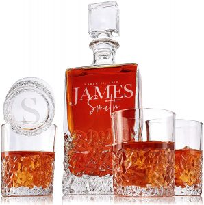 Amazing personalized whiskey decanter with 4 pcs whiskey glasses