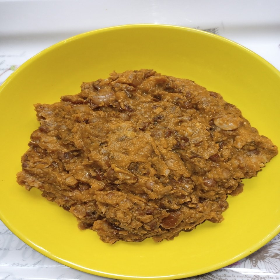 Cooked African beans with Palm Oil